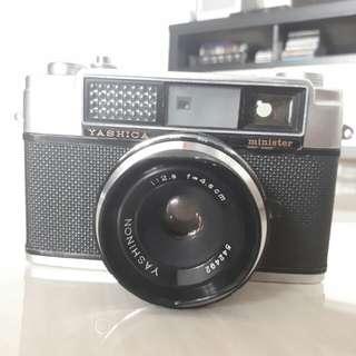 Kamera analog film Yashica minister