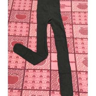 🚚 日本HENNY RUE 一體式修身彈力顯瘦針織踩腳褲襪 (深灰)