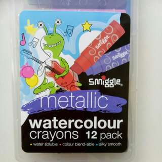 Smiggle 12 pack metallic watercolour crayons