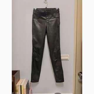 🚚 H&M 內鋪棉九分皮褲 修身皮褲 皮褲