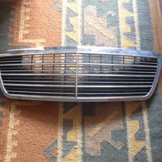Front Grill Mercedes Benz E Class E200 W210 Genuine 210 880 05 83 Excellent Cond