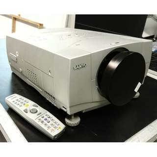 """USED - Sanyo Projector PLC-XP57L - Selling """"As is"""" with custom flight case 5.5K"""