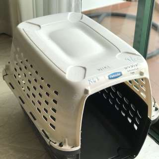 Petmate kennel for travel