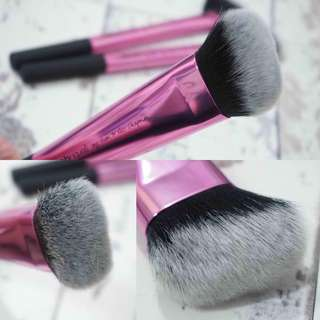 NEW!! Real techniques sculpting brush