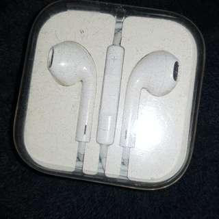 Iphone earphone orig 650