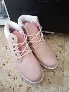 high cut shoe / boots