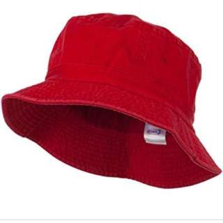 BN Red bucket hat