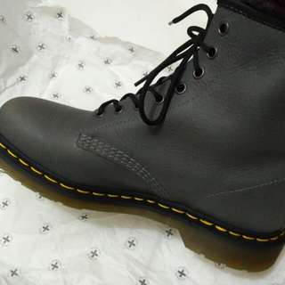Sepatu Dr.martens Grey Original Store
