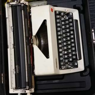 typewriter with case