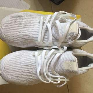 Adidas ultraboost triple white v3