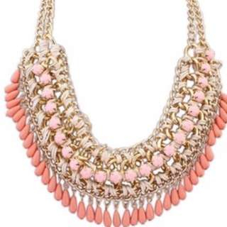 Beads statement necklace - peach