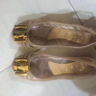 Sepatu flat SF jelly shoes