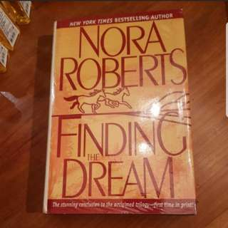 GARAGE SALE 'Finding the Dream' by Nora Roberts (Hardbound)