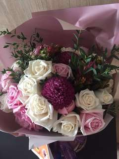 Fresh Flower Bouquet - Rose