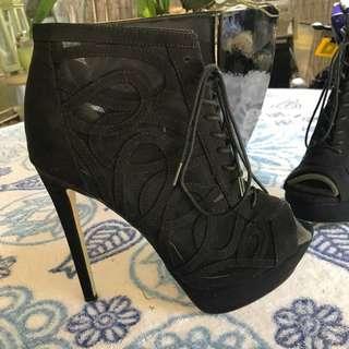 ZU Naomi black peep toe heels