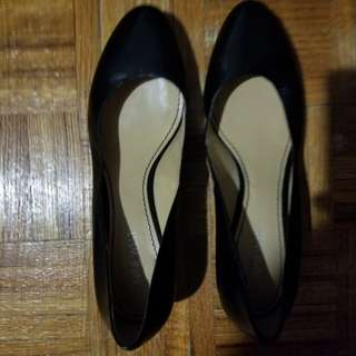 Size 10 black flats with small heel