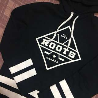 🚚 Roots連帽上衣