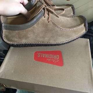 Clarks originals 鞋