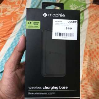 Mophie Wireless Base charging