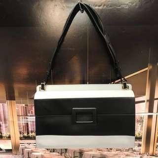 新春大優惠Roger Vivier Leather Handbag