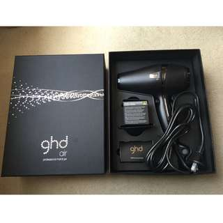 GHD AIR Hairdryer & 2 Nozzles Brand New in Box HAIR DRYER BRAND NEW IN BOX & GENUINE (PRICE IS NOT NEGOTIABLE)