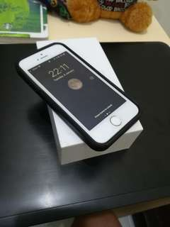 iPhone 5s 16gb Gold Globe-locked