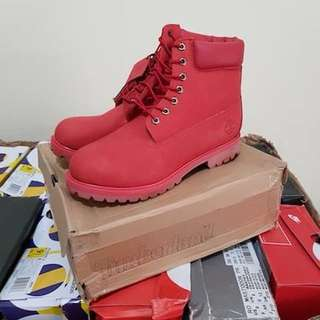 NEW TIMBERLAND CLASSIC BOOTS