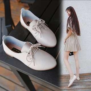 Brand new 全新白平底鞋 shoes flats