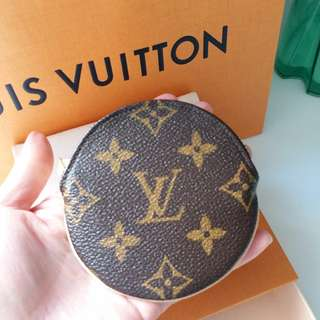 New Louis Vuitton Round Coin Purse