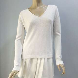 GAP White V Longsleeves