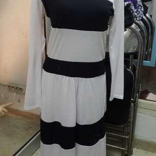 Preloved Dress Black N White.. No Deffect!!! All Size... Bahan Bagus😉 Harga Sdh Plus Ongkir Khusus Jabodetabek Yaaaaaa