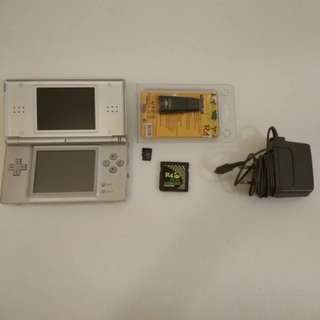 Nintendo DS Lite with Game Card (Hacked)