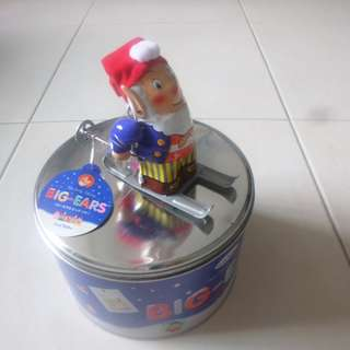 Noddy Tin toy wind up with tin can