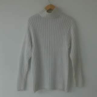 Sweater G.A.P white all size