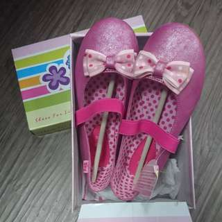 New with box Pink bubblegum shoes