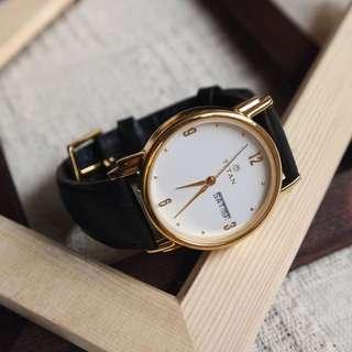 Titan Adroit In White - Minimalist 31-Date 7-Day Leather Analog Dress Watch