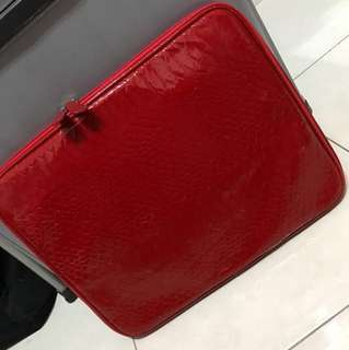 Red casing