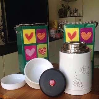 🚚 [全新]掌廚 可樂膳手提不鏽鋼超真空保溫燜燒罐1100cc-白