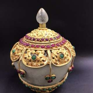 21 zambala crystal vase with embossed gold & precious stones