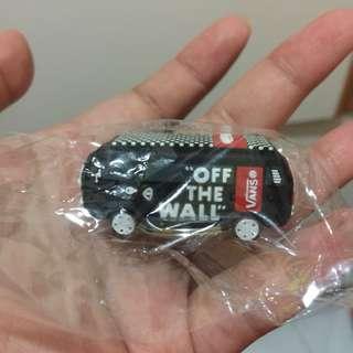 「包郵」全新 Vans 貨車匙扣 keychains