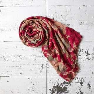 Pashmina corak bunga merah