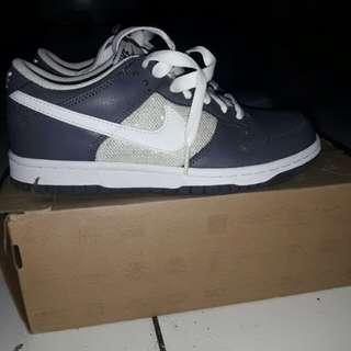 Sepatu nike original.kode 317815012
