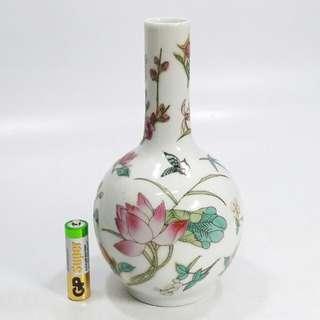景德鎮  手繪花蝶紋 天球瓶