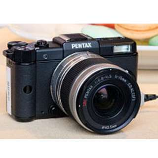 PENTAX Q1 AT THE LOWEST REASONABLE PRICE (INCLUDE ALL SET) (USED)