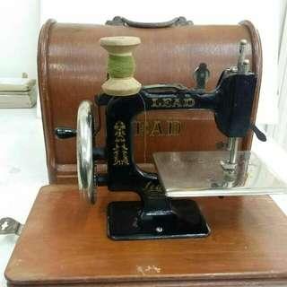 古董衣車具收藏價值