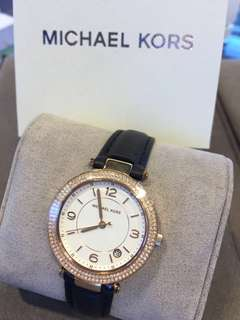 Michael Kors 女裝復古黑色真皮錶