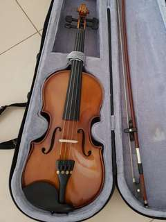 Used ~ Kids Violin with Shoulder Rest