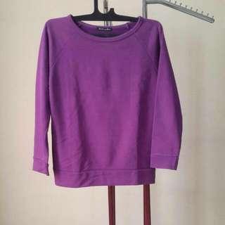 Sweater Ungu Cantik