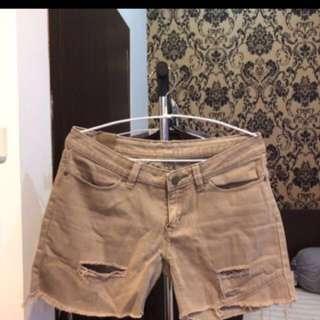 Celana pendek (pant) khusus hari ini 25k