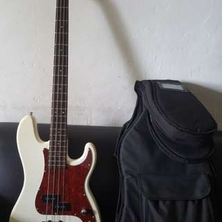 Craftsman bass guitar